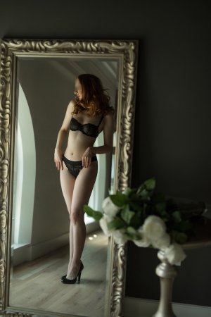 Roze outcall escorts in London
