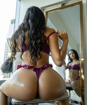 Khoumba outcall escorts in Weatherford Oklahoma