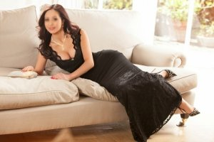 Kahina incall escort in West Park FL